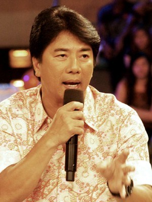 Willie Revillame under fire for six year-old boy 'striptease'