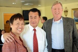SENATOR LELAND YEE (center) with Filipino American Service Group Inc. Executive Director Susan Dilkes and her husband Edward at Salakot Restaurant in Los Angeles. A friend of Filipino-Americans, the state senator is running for city mayor of San Francisco. Photo: Benny Uy