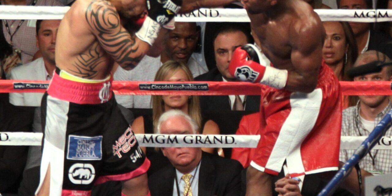 Mayweather wins but no Pacquiao fight in sight