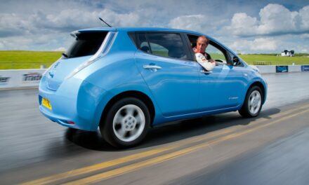 Nissan Leaf to reverse into the record books