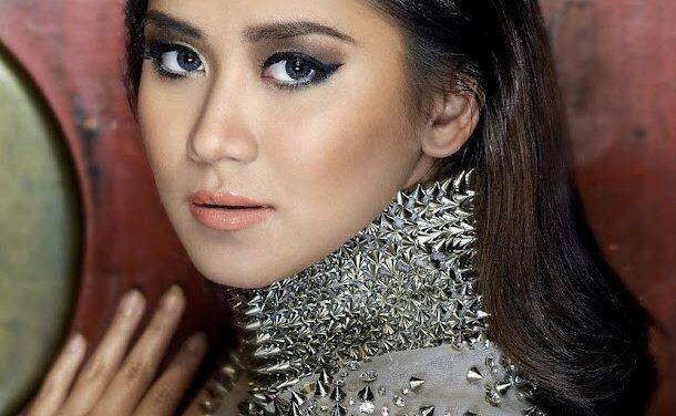 Pops singles out Sarah G among young singers