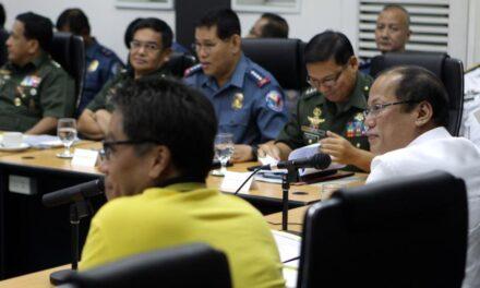 Palace: PNoy won't fire Roxas, Purisima over crime problem