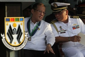 President Benigno S. Aquino III exchanges views with newly appointed Presidential Security Group (PSG) Commander Navy Captain Raul Ubando during the PSG Change of Command Ceremony and Testimonial Review with Retirement Ceremony at the PSG Grandstand, Malacañang Park in Manila City on Friday (August 30). Ubando is a member of the Philippine Military Academy (PMA) Sandiwa Class of 1985. PSG is the lead agency tasked in providing security to the President of the Philippines and the First Family. They also provide protective security to visiting Heads of States and diplomats. (MNS photo)