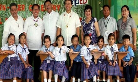 Aquino signs bill to protect students in choosing review centers