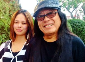 Freddie Aguilar and wife (MNS photo)