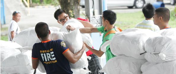 First World Vision relief flight with blankets, tarps to arrive in Manila Monday