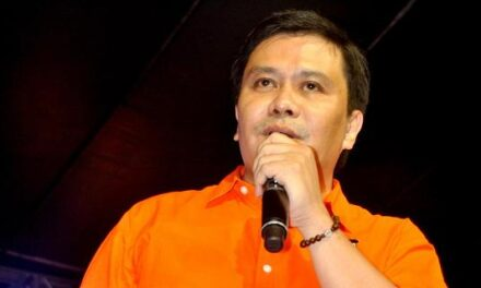 Jinggoy confirms leaving PHL without wife