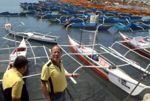President Benigno S. Aquino III inspects the motorized and non-motorized bancas during the Visit to the Municipality of Bantayan in Cebu at the Bantayan Wharf on Tuesday (February 25, 2014). The bancas was donated for the livelihood of the Bantayan residents by different non-government organizations including Gawad Kalinga and the Yellow Boat of Hope Foundation, Inc. among others. (MNS photo)