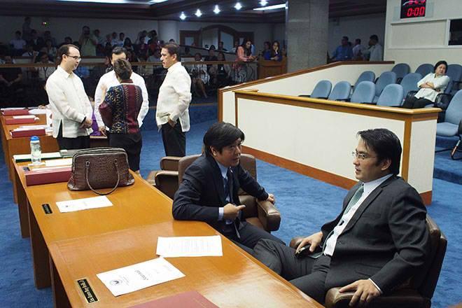 Binay should face Senate probe, says Marcos