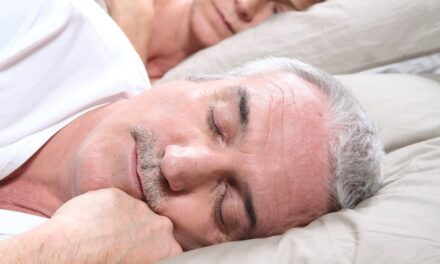 Reading and sleeping are keys to keeping mentally fit: study