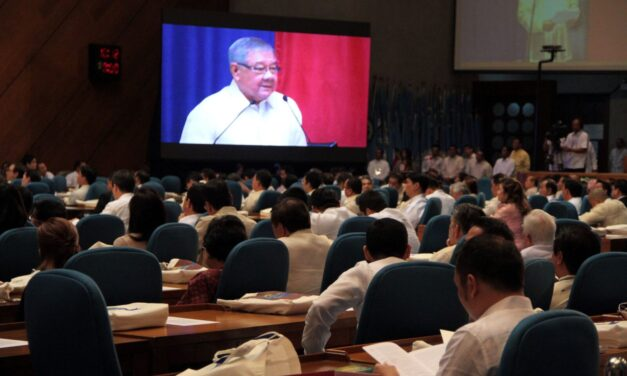 Do lifestyle checks on all gov't execs – House leader