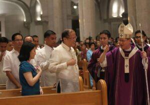 Cardinal Tagle with President Benigno Aquino III (MNS Photo)