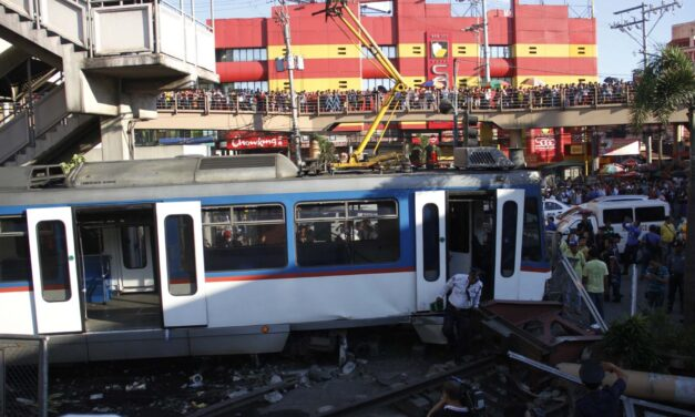 Human error, defective materials may have caused MRT crash – Sec. Abaya