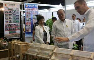 President Benigno S. Aquino III tours the exhibit area upon arrival for the Philippine Business for Social Progress (PBSP) Membership Meeting and launch of Mindanao Inclusive Agribusiness Program at the SMX Convention Center in Lanang, Davao City on Monday (September 08). The event aims to rally PBSP members and other Mindanao companies around the idea of inclusive business on priority industries: coffee, cacao, corn, palm oil and rubber, as well as possible investments in Bangsamoro. (MNS photo)