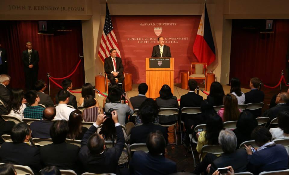 Aquino meets US Rep. Joseph Kennedy III