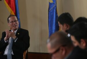 (BALI, Indonesia) President Benigno S. Aquino III answers question during coffee with media held at Nusa Dua Hotel Resort on Friday (October 10). (MNS photo)