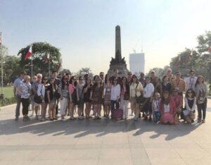 Mega Fam Tour participants pose for photo ops at the Rizal Park.