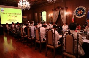 President Benigno S. Aquino III presides over the Cabinet Budget Presentation meeting at the Aguinaldo State Dining Room of the Malacañan Palace Monday (July 6). (MNS photo)