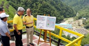 President Benigno S. Aquino III  is being brief by MWSS Administrator Gerardo A.I. Esquivel during his inspection of the Angat Dam and Dyke Strengthening Project at the Angat Hydroelectric Power Plant Hilltop in Norzagaray, Bulacan Wednesday, (July 22). The Project involves the strengthening of the Angat Dam and Dyke in order to ensure its stability and safety to withstand the potential risk posed by possible seismic activity associated with the West Valley Fault. (MNS photo)