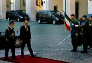 (ROME, Italy) President Benigno S. Aquino III is welcomed by the Military Advisor of the Italian President upon arrival at the courtyard of the Quirinal Palace for the bilateral meeting with Italian Republic President Sergio Mattarella as part of his official visit here on Wednesday (December 02). (MNS photo)